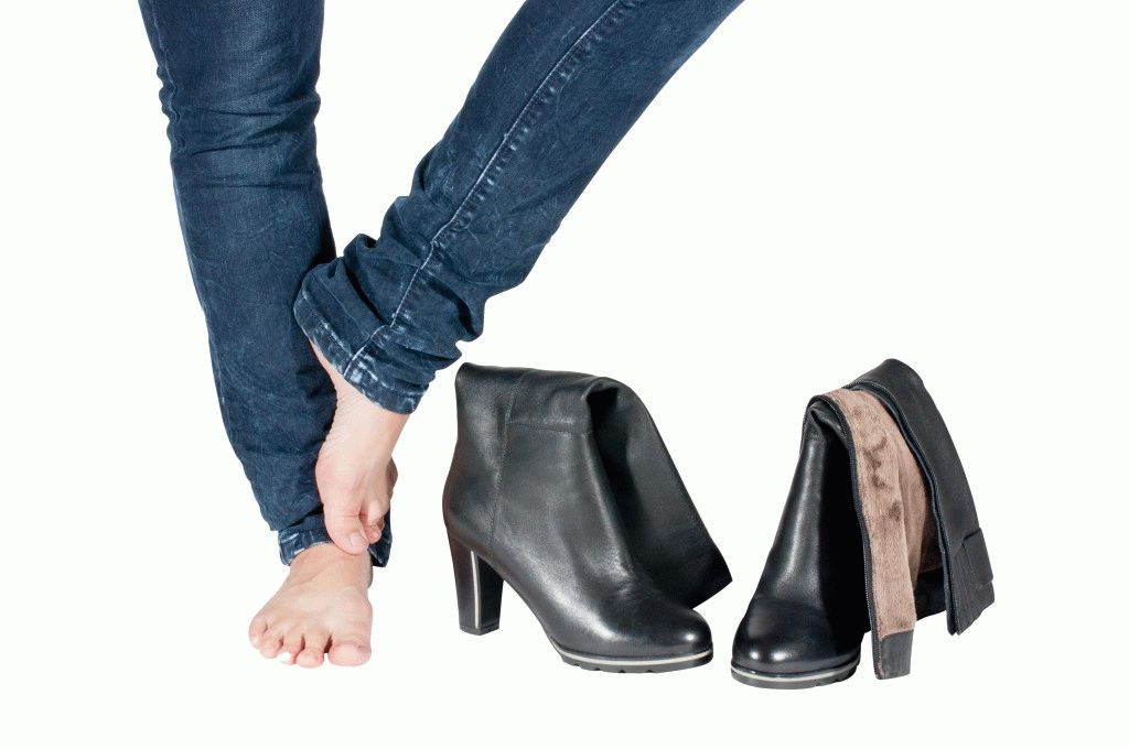 Шишка на ноге сбоку стопы с внешней стороны