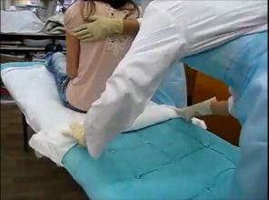 Секс видео сколько сантиметров члена принимает женское влагалище, женщин в обтягивающих трусах фото крупным планом спереди