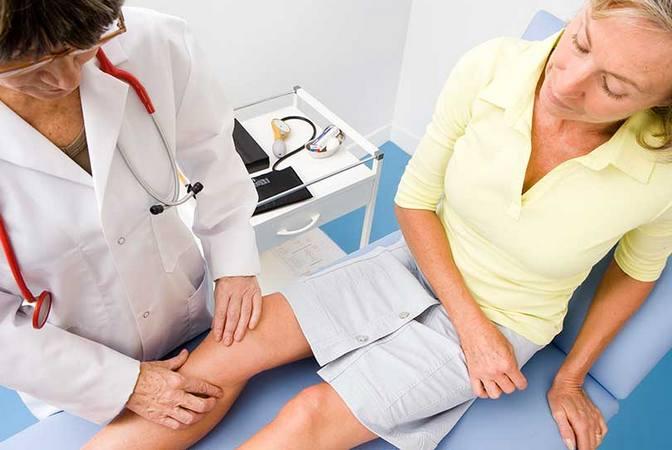 У ребенка опухла косточка под коленкой. Шишки на ноге ниже колена на кости и в подколенной области